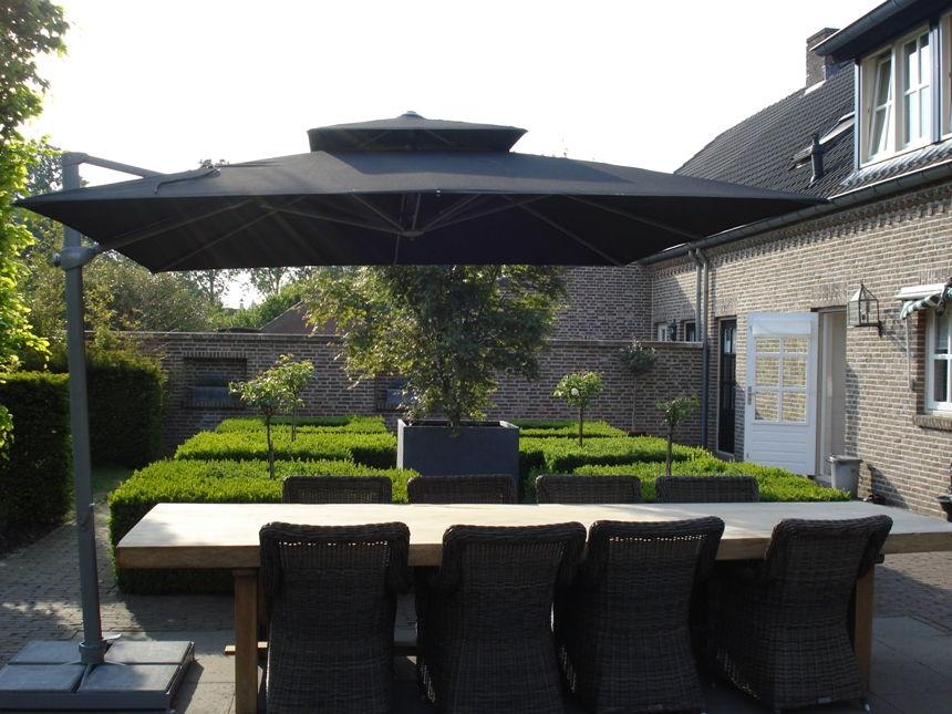 laterna-zwevende-parasol-zwart