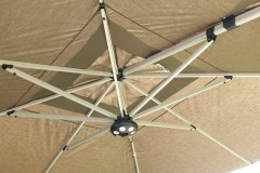 Parasol-Palestro-Taupe-verlichting-Accento
