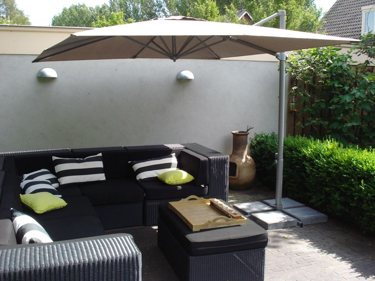 parasols xl luxe tuinparasol zwevende tuin parasol. Black Bedroom Furniture Sets. Home Design Ideas