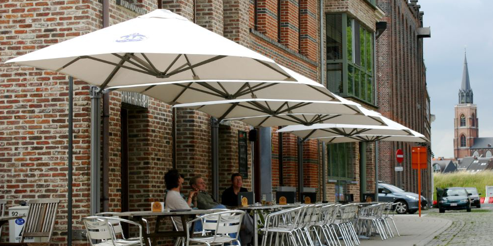 Grote Witte Parasol.Parasols Xl Luxe Tuin Parasols Horeca Parasols Zwevende Parasols